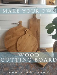 What farmhouse kitchen wouldn't be complete without a few pretty wood cutting boards on display? Farmhouse Cutting Boards, Wood Cutting Boards, Woodworking Projects Diy, Diy Wood Projects, Large Cutting Board, Bois Diy, Diy Holz, Wood Gifts, Diy Gifts