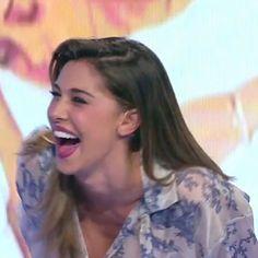 #BelenRodriguez Belen Rodriguez: Mi sa che mi viene da ridere!!!!! #notteatutti