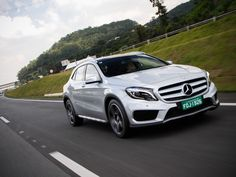 Primeiras impressões: Mercedes-Benz GLA 250 +http://brml.co/1FIVLQh