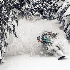 Daydreaming about moments like this. #snowboarding #amazing