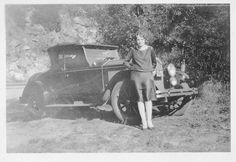 Brand new, 1927 Buick Coupe 2 convertible with Oregon plates from 1927. The stylish lady with brand new clothes.