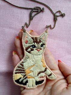 Embroidered kitten. Is awesome.