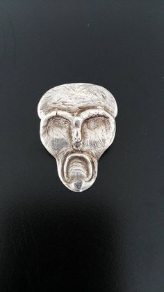 Pieza de Plata 999  Creada con la Técnica #MetalClay  Artista Plástico: Samuel García Vázquez #Plata #ArtClay #Escultura #SilverSkull #México #CursosdeJoyería #Silver