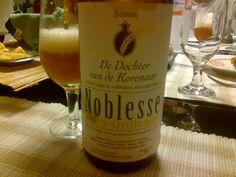 Cerveja De Dochter van de Korenaar Noblesse Extra Ordinaire, estilo Belgian IPA, produzida por De Dochter van de Korenaar, Bélgica. 7% ABV de álcool.