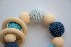 Für kleine Kinderhände sind die Greiflinge perfekt und ein heiß geliebtes Spielzeug.  Sie fördern den Greifreflex und somit die motorische Entwicklung unserer Kinder. Kids Hands, Blue