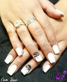 #nailsgel #nails #nailart #design #arte #diseño #moda #uñas #fashion #fashionista #gelpaint #manoalzada #nails