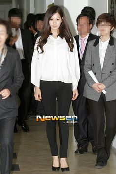 Black pants + White blouse #Seohyun #SNSD