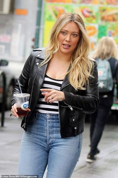 Hilary Duff in Black Leather Jacket on the set of Younger in New York : Hilary Duff in Black Leather Jacket on the set of Younger in New York Hilary Duff Style, Hilary Duff Fashion, Curvy Outfits, Fashion Outfits, Fashion Weeks, Black Leather Jacket Outfit, Black Women Fashion, Womens Fashion, The Duff
