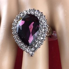 I'm auctioning 'Vintage Large Pear Shaped 5 ct Genuine Amethyst Sterling Silver Ring CB287' on #tophatter