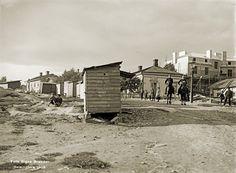 Signe Brander: Vaasankadun ja Pengerkadun (nykyään Kinaporinkatu) kulmauksessa olleet rakennukset. 1908. Helsinki, Finland, The Past, Street View, Country, Historia, Rural Area, Country Music