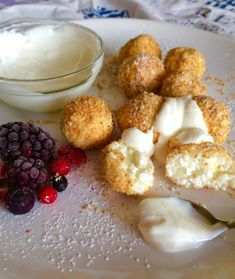 A legfinomabb túrógombóc – Sweet Bonnie Hungarian Cuisine, Hungarian Recipes, Hungarian Food, Sweet Cookies, Sweet Treats, Beef Stew With Dumplings, Tomato And Onion Salad, Sweets Cake, Winter Food