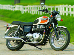 Here you can find the complete details of upcoming new Triumph Bonneville T100 Bike.