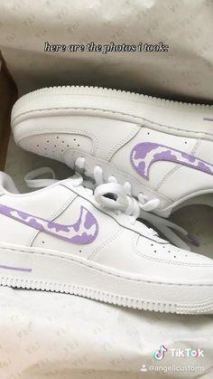Cool Nike Shoes, White Nike Shoes, Air Force One Shoes, Nike Shoes Air Force, Purple Trainers, Mode Pastel, Custom Shoes, Nike Custom, Custom Sneakers