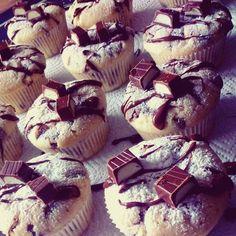 Kinderschokolade - Muffins, ein beliebtes Rezept aus der Kategorie Kuchen. Bewertungen: 353. Durchschnitt: Ø 4,5.