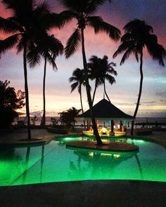 St Lucia, Rendezvous swim up bar at sunset.