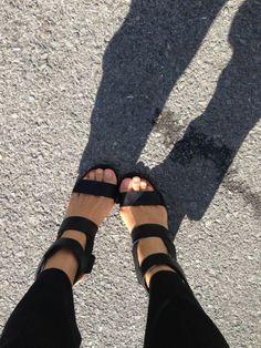 { umeshu strappy black sandals }