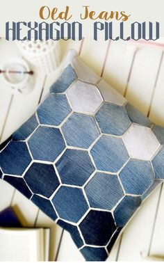 Sewing Pillows Jean Hexagon Pillow - don't throw away those old jeans! You can make this awesome Pillow using them. - Jean Hexagon Pillow - don't throw away those old jeans! You can make this awesome Pillow using them. Handmade Home, Sewing Hacks, Sewing Tutorials, Sewing Patterns, Bag Patterns, Sewing Pillows, Diy Pillows, Cushions, Decorative Pillows