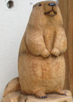 wood carving beaver 2 by XxLxX on DeviantArt Chainsaw Wood Carving, Wood Carving Art, Wood Art, Wood Wood, Wood Carving Patterns, Carving Designs, Chain Saw Art, Art Pierre, Whittling Wood