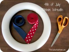 DIY of July Wreath Tutorial Good info to know for how much ribbon to get.for any theme! Ribbon Wreath Tutorial, Diy Ribbon, Diy Wreath, Wreath Ideas, Ribbon Wreaths, Wreath Making, Wreath Crafts, Ribbon Crafts, 4th Of July Party