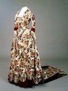 Dress of Empress Maria Fyodorovna Charles Frederick Worth's Firm, Paris France. 1880s . Satin, velvet, plush, lace and fringe; l. of bodice 61, l. of skirt 203 cm.