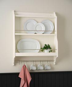 Les premières images du catalogue Ikea 2020 (édition d'août) - PLANETE DECO a homes world Catalogue Ikea, Design Ikea, Tons Clairs, Interior Design Kitchen, Bathroom Medicine Cabinet, Shelves, Inspiration, Images, Home Decor
