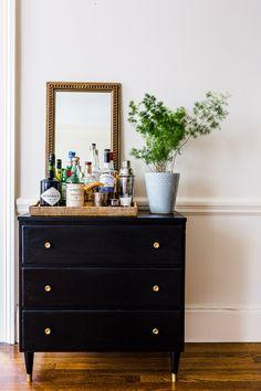 Modern home bar design ideas Decor, Simple Apartments, Bar Furniture, Apartment Bar, Interior, Home Decor, Bars For Home, Cozy Bar, Modern Home Bar