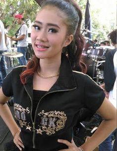 Circle 888  Hot News & Video: Video Vulgar Penyanyi Dangdut Cantik Ini Tak Sadar...