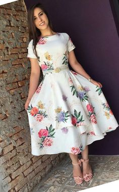 Style in 2018 vestidos, vestidos cortos, vestidos bonitos. Modest Dresses, Modest Outfits, Skirt Outfits, Modest Fashion, Pretty Dresses, Dress Skirt, Beautiful Dresses, Casual Dresses, Fashion Dresses