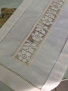 Oyası File İşi Modelleri -İğne Oyası File İşi Modelleri - WONDERFUL beige cotton table runner L 150 cm Crochet Tablecloth, Crochet Doilies, Crochet Lace, Embroidery Stitches, Embroidery Patterns, Hand Embroidery, Hardanger Embroidery, Crochet Designs, Crochet Patterns