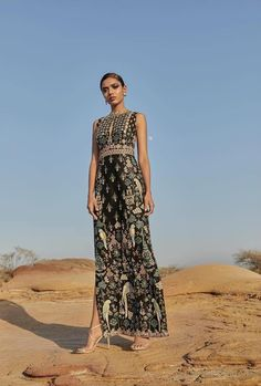 15 Anita Dongre Lehengas For Spring Summer 2019 Black hand painted forest Anita Dongre straight cut evening gown. Indian Gowns, Indian Attire, Indian Wear, Indian Outfits, Emo Outfits, Ethnic Fashion, Asian Fashion, Indian Fashion Trends, Punk Fashion