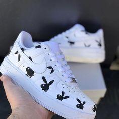 Cute Nike Shoes, Cute Sneakers, Nike Custom Shoes, Sneakers Nike, Jordan Shoes Girls, Girls Shoes, Cool Shoes For Girls, Ladies Shoes, Nike Shoes Air Force