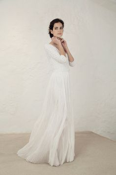 Wedding Dress Ideas, Designers & Inspiration : Oro Top with Bambola Skirt from Cortana wedding dresses Bridal Collection – Knitted silk bambula top lined with silk georgette and paired wi… Long Sleeve Wedding, Wedding Dress Sleeves, Best Wedding Dresses, Designer Wedding Dresses, Bridal Dresses, Wedding Gowns, Wedding Venues, Wedding Ideas, Bridal Separates