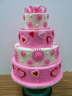 cute valentine s day cake tutorial with love birds cute cakes on valentine birthday cake photo