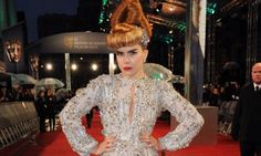 We'd love to be able to pull this look off à la Paloma Faith