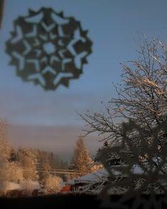 Kipakka kipinöi, kuvaa ja kutoo: Apua ihmiseltä ihmiselle Snow, Outdoor, Outdoors, Outdoor Games, Outdoor Life, Human Eye