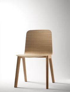 Alki Heldu Chair in Oak by Jean Louis Iratzoki