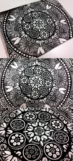 loving this black + white floewr mandala Mandala Doodle, Mandala Drawing, Zen Doodle, Doodle Art, Doodle Inspiration, Painting Inspiration, Zentangle Drawings, Doodle Drawings, Zentangles