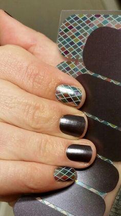 Allure and Renaissance Jamberry Nail Wraps! Uñas Jamberry, Jamberry Nail Wraps, Super Cute Nails, Hair Skin Nails, Cute Nail Art, Mardi Gras, You Nailed It, Nail Ideas, Nail Art Designs