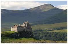 Isle of Mull, Scotland   Home of the Clan Maclean .... Duart Castle and the Isle of Mull