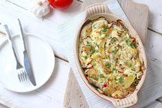 Op zoek naar een lekkere ovenschotel? Maak dan eens deze vis-ovenschotel met aardappel, paprika en courgette. Lekker, simpel en snel klaar.