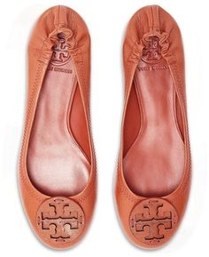 FLATS  I really want a pair of Tory Burch Flats.  Asking for, for Christmas...