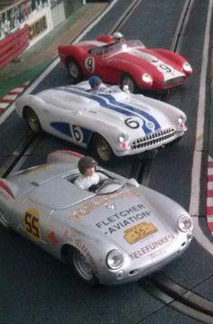 Porsche 550 RS Spyder del 54, Chevrolet Corvette Clase C del 56 y Ferrari 250 Testarossa del 57. Tres joyas de la marca Ninco