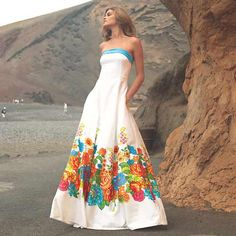 Discover recipes, home ideas, style inspiration and other ideas to try. Bridal Dresses, Prom Dresses, Formal Dresses, Love Fashion, Girl Fashion, Female Fashion, Mexican Dresses, Mexican Style, Beautiful Gowns