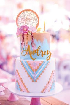 Boho Themed Twin Birthday Party styled by Design Avenue Twin Birthday Parties, Birthday Cake Girls, Birthday Party Themes, 13th Birthday, Birthday Ideas, Bohemian Cake, Bohemian Party, Bolo Hippie, Dream Catcher Cake