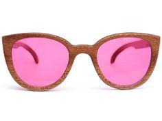Inspirados en el estilo de Victoria Ocampo, los Lucile son unos anteojos sumamente femeninos y de líneas suaves.