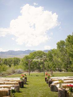 rustic wedding | outdoor barn look