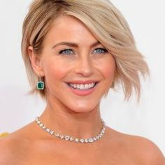 Oversize Drop Earrings and Colored Stones Dazzle at 2014 Emmys - http://ejewelrydeals.com/blog/oversize-drop-earrings-and-colored-stones-dazzle-at-2014-emmys/