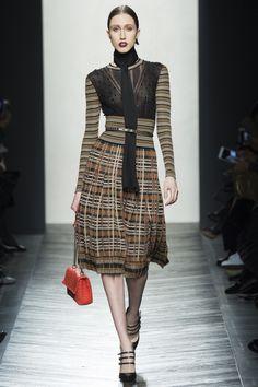 Bottega Veneta Fall 2016 Ready-to-Wear Fashion Show - Anna Cleveland