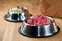 Koiran BARF-ruokavalion on tarkoitus olla mahdollisimman monipuolinen. Raspberry, Fruit, Food, Meals, Raspberries