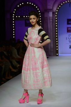 WIFW Spring-Summer 2014 opened with designer Masaba Gupta's collection. Alia Bhatt opened the show as a showstopper for the designer.